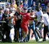 VIDEO Campionatul Franței – Meciul de la Bastia a fost suspendat, după ce suporterii corsicani au atacat jucătorii de la Lyon