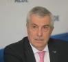 Tăriceanu: Sfidarea Parlamentului şi a românilor continuă să fie îndeletnicirea de bază a preşedintelui Iohannis